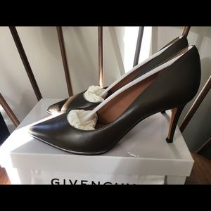 Givenchy Pumps
